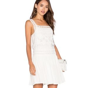 Dresses & Skirts - ELLIATT Lace Dropped Waist Square Neck Dress
